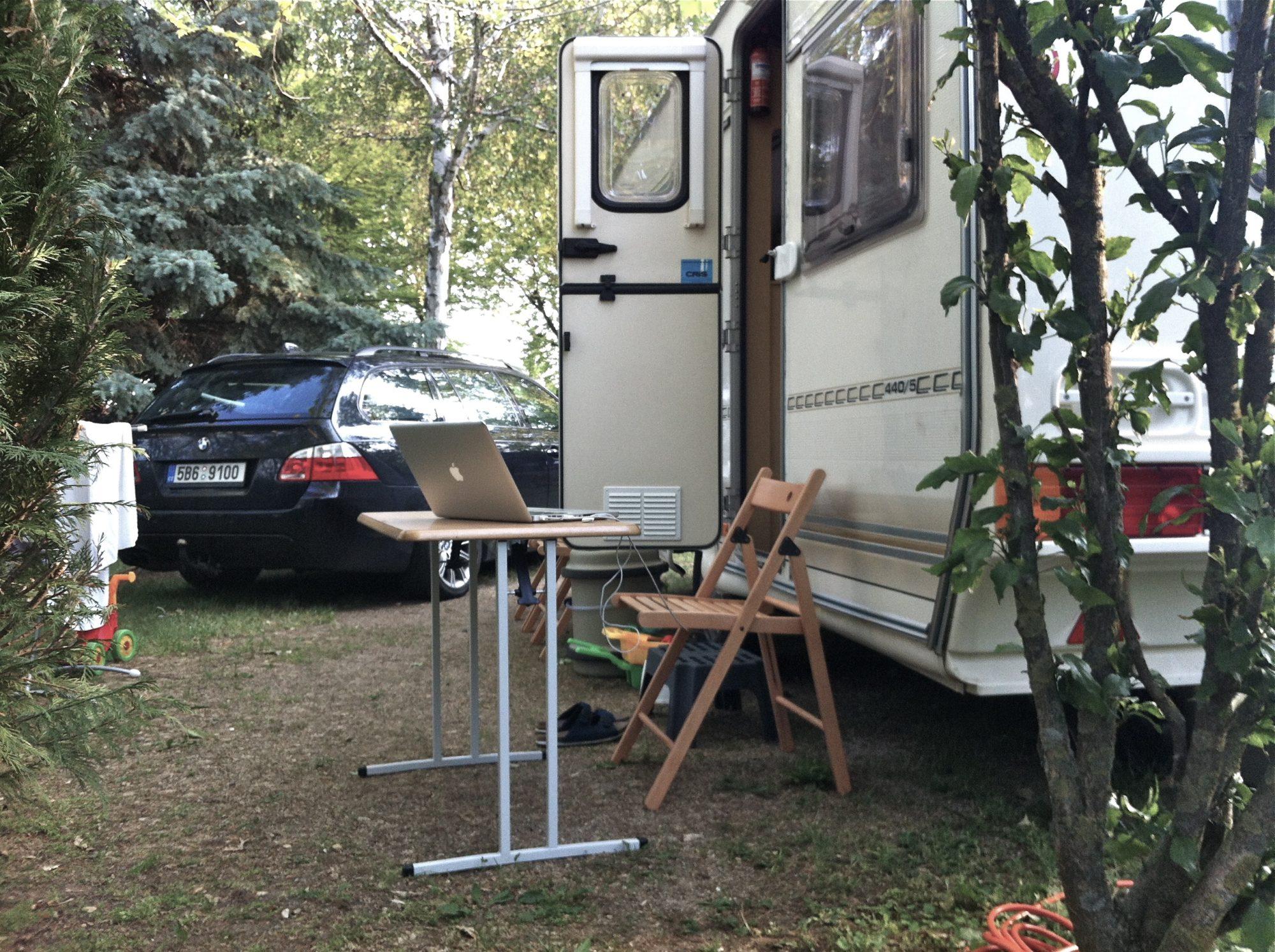 BMW & Caravan Office