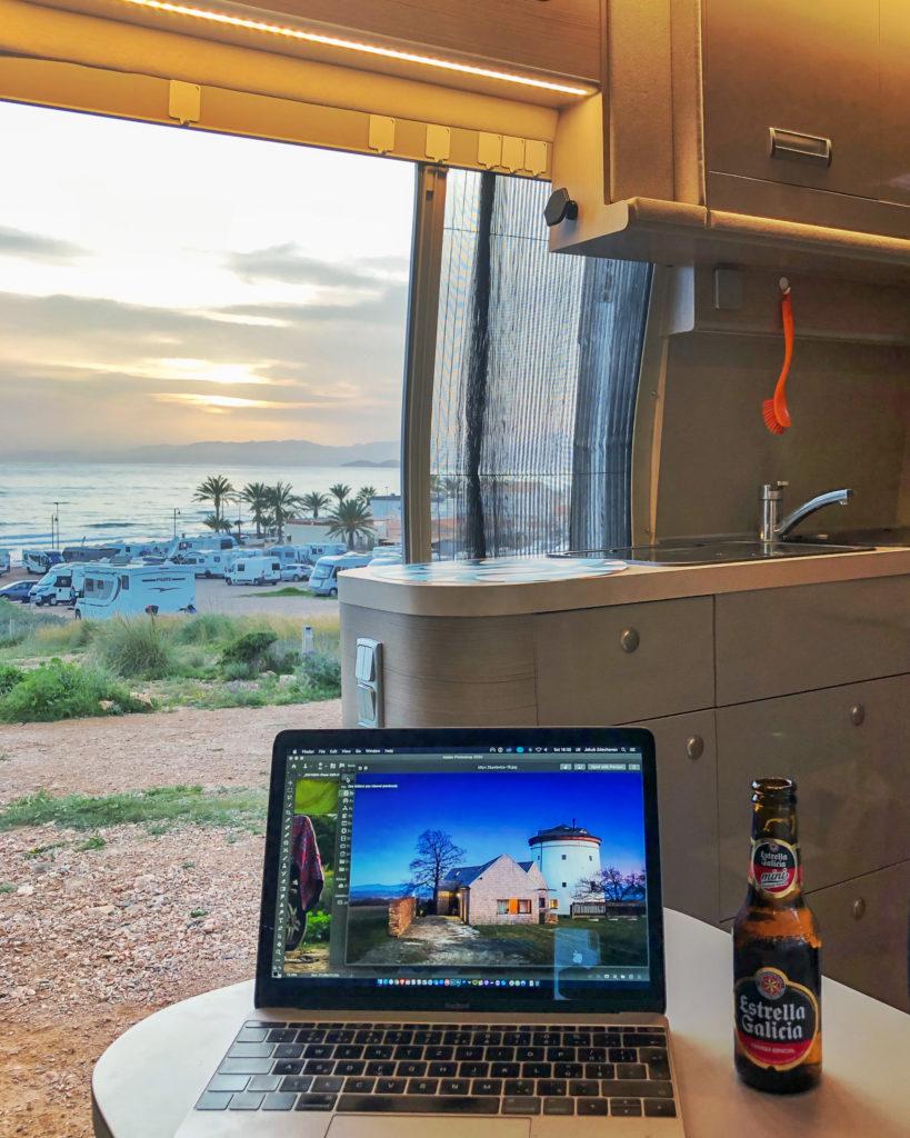 Digital nomads in camper