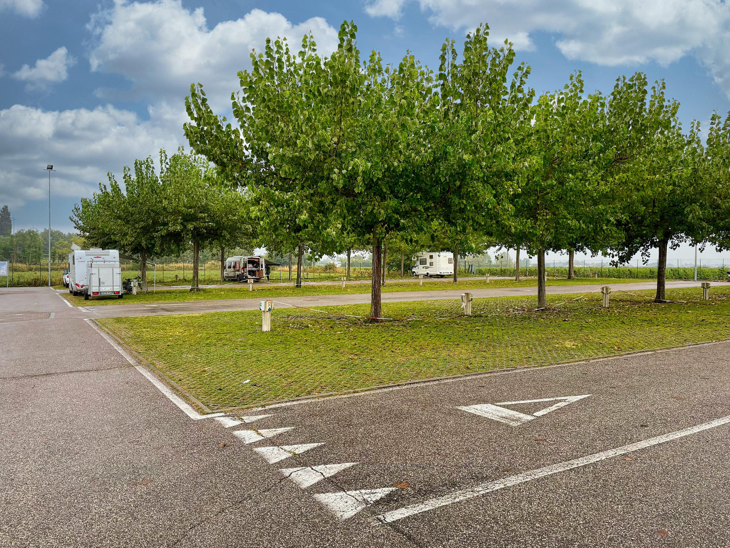 Camper Parking Garda Thermal & Wineyards
